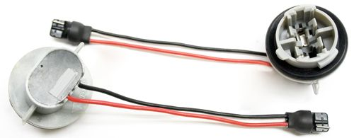 3042-WIRE IPCW (In Pro Car Wear) Tail Light Converter Allows Older